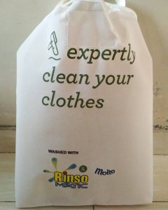 Tas Laundry Expertly Clean Your Clothes Putih (2) taslaundry.com