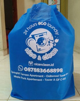 Tas Laundry Nice and Clean Biru