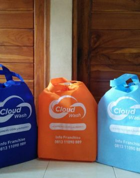 tas laundry cloud wash biru orange taslaundry.com